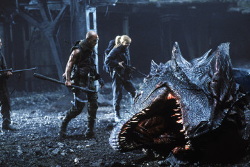 Reign of Fire [2002] Movie Review Recommendation
