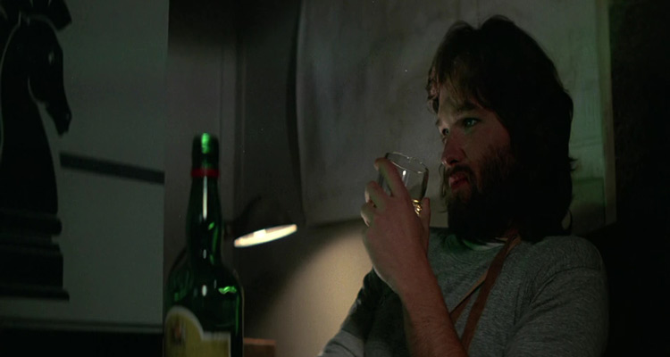 The-Thing-1982-Kurt-Drinking