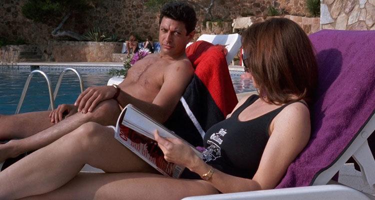 Shooting Elizabeth 1992 Movie Jeff Goldblum and Mimi Rogers by the pool