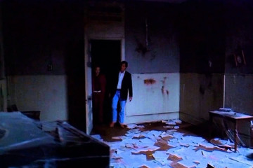 Furnace 2007 Movie Scene Tom Sizemore walking into a room covered in blood