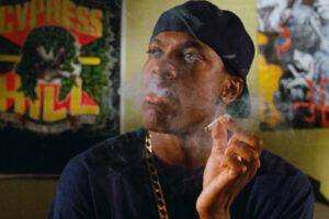 Friday 1995 Movie Scene Chris Tucker as Smokey smoking weed