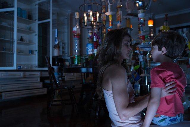 Dark Skies [2013] Movie Review Recommendation