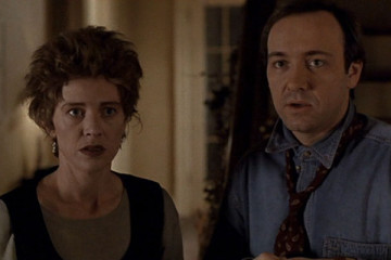 The Ref [1994] Movie Kevin Spacey and Judy Davis looking at the intruder for the first time