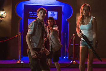 Scout's Guide to the Zombie Apocalypse [2015] Movie Review Recommendation