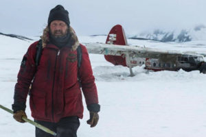 Arctic 2018 Movie Mads Mikkelsen as Overgård coming off his crashed plane