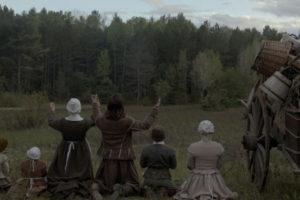 The VVitch 2015 movie family praying