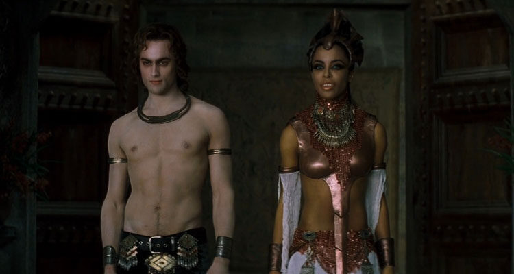 Queen of the Damned 2002 Movie Scene Stuart Townsend as Lestat without a shirt and Aaliyah as Queen Akasha